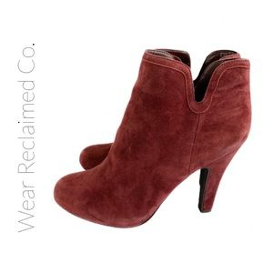 ARNOLD CHURGIN Suede Heeled Zippered Ankle Boots